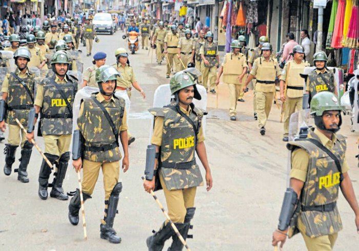 The Dakshina Kannada (DK) police top brass has stepped up securityat various places in the Jodupala area, to preventtheft of valuables from deserted homes. DH file photo