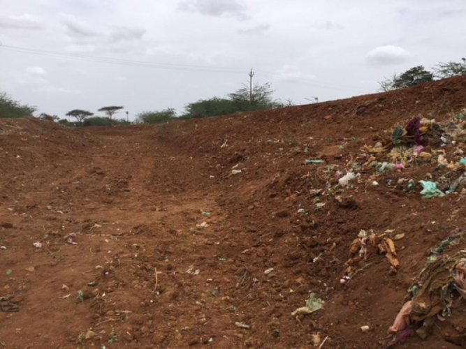 The dry canal at Sengipatti in Thanjavur district. DH Photo