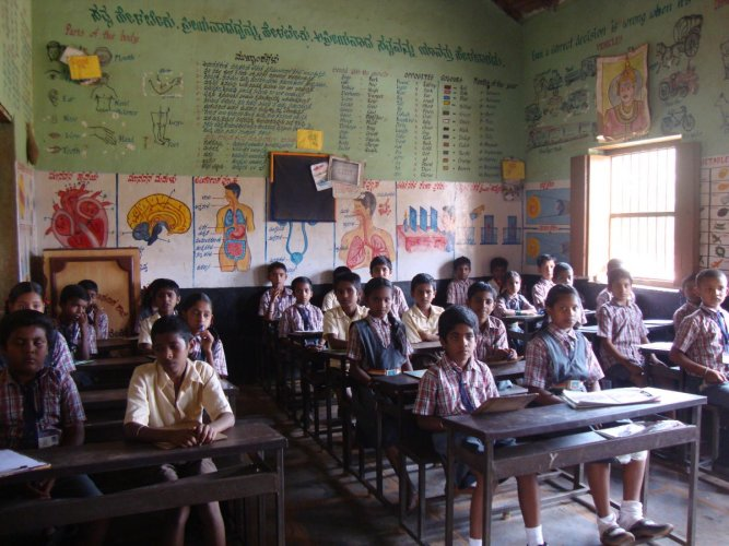 Students in a government school learning Mathematics as part of the Ganitha Kalika Andolana initiative.
