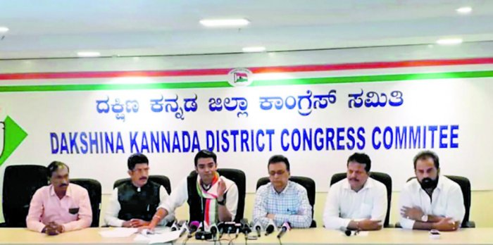 AICC National Media Panelist Jaiveer Shergill speaks to reporters in Mangaluru on Monday.