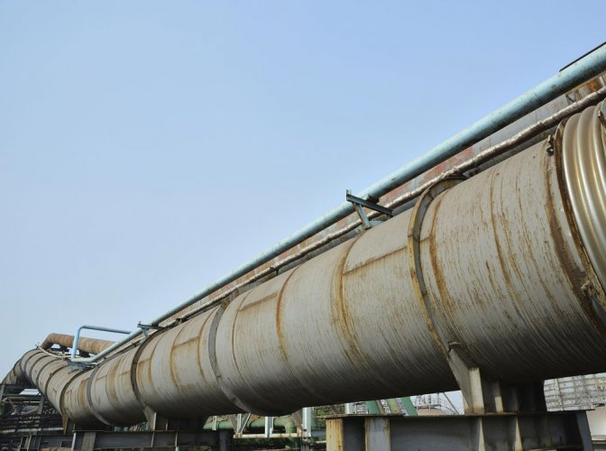 India imports half of its gas which costs more than double the domestic rate. (DH File Photo)
