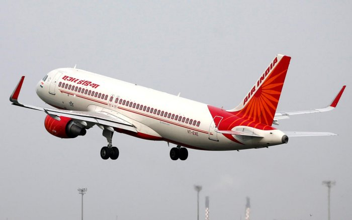 FILE PHOTO: An Air India Airbus A320-200 aircraft takes off from the Sardar Vallabhbhai Patel International Airport in Ahmedabad, India, July 7, 2017. Picture taken July 7, 2017. REUTERS/Amit Dave/File Photo