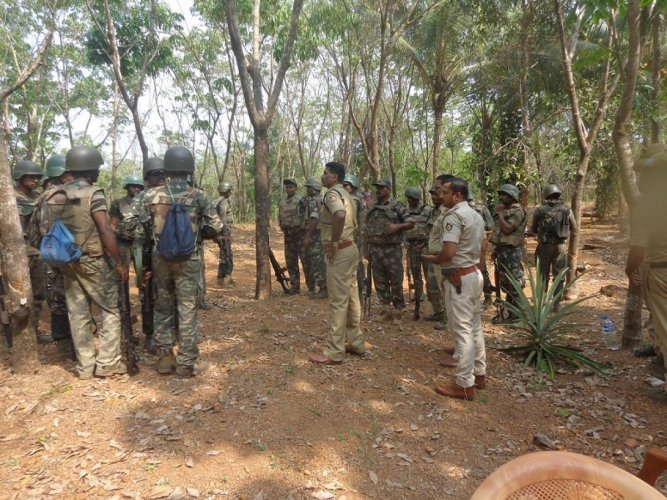 Four naxals, including a woman, were killed Sunday in an encounter with security forces in Chhattisgarh's Narayanpur district, around 350 kilometers from here, police said. DH file photo for representation