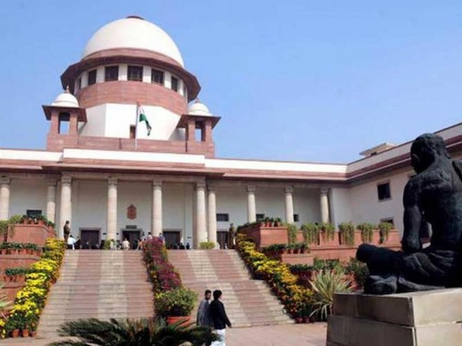 The Supreme Court has agreed to consider a fresh plea of a Muslim woman seeking to declare as unconstitutional the setting up of Sharia courts to decide marriage, divorce and other cases. DH file photo