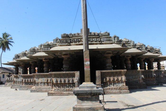 An artistic hall in the Harihareshwara temple complex, Harihar