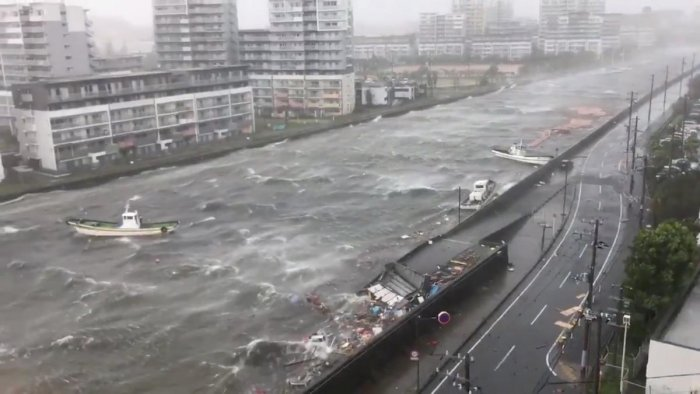 Boats float along with debris during Typhoon Jebi in Nishinomiya City, Hyogo Prefecture, Japan. (Reuters Photo)