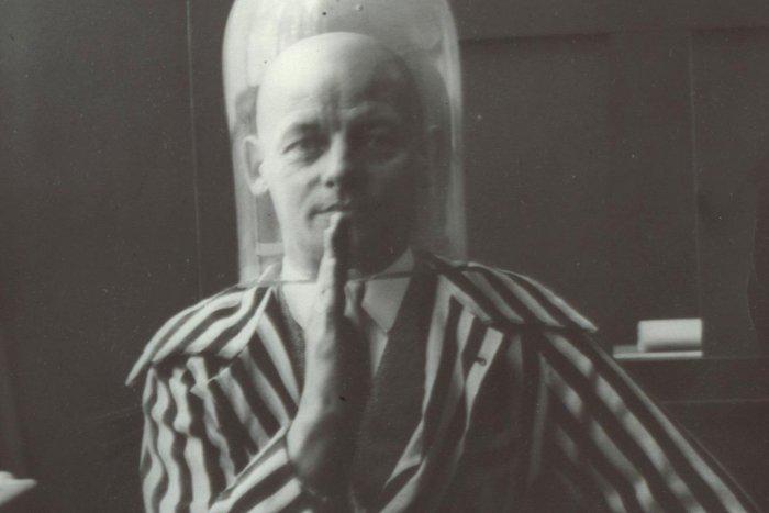 Oskar Schlemmer in 1928. Photo: Bauhaus