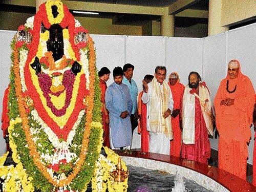 Dharmasthala Dharmadhikari Veerendra Heggade has announced Rs 10 crore from Sri Kshetra Dharmasthala to the flood and rain victims of Kodagu district and Sakleshpura taluk. File photo