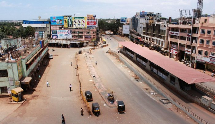 Otherwise busy Old Bus Stand and the road in front of it in Hubballi, wears a deserted look on Monday, on the occasion of Bharat Bandh.