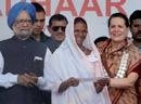 PM, Sonia launch 'Aadhaar', the Unique ID project