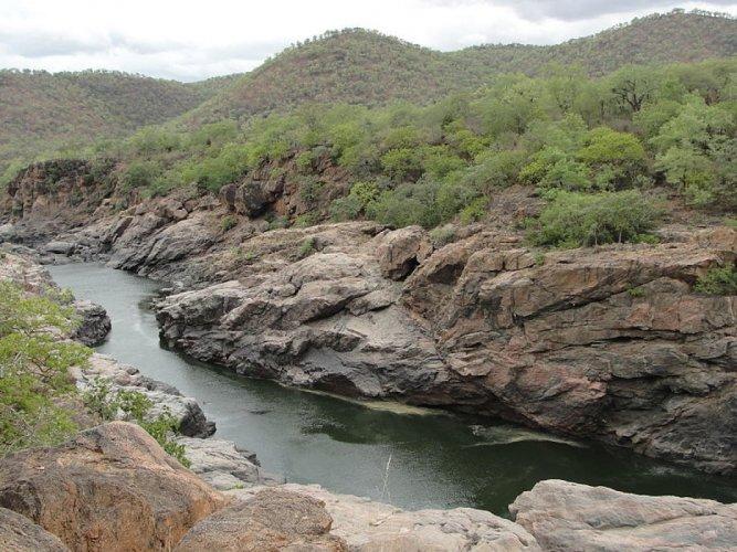 Cauvery flowing through Mekedatu area. DH file photo