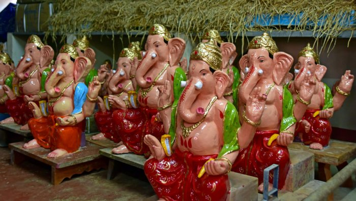 Following the raids by the BBMP and the pollution board, the sellers of Ganesha idols have now shifted to the city outskirts.