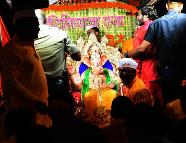 Anant Ambani, son of Anil Ambani, during the pooja at Lalbaug-cha-Raja at Lalbaug. (DH Photo)