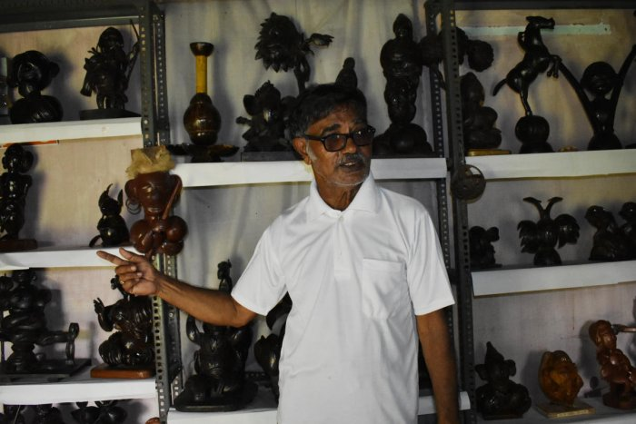 Venkatramana Bhat showcasing his collection in Udupi