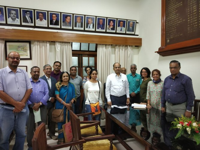 Under the umbrella I Change Indiranagar, a federation of eight residents' welfare associations, the citizens filed a representation before the officer. (Twitter/@icindngr)