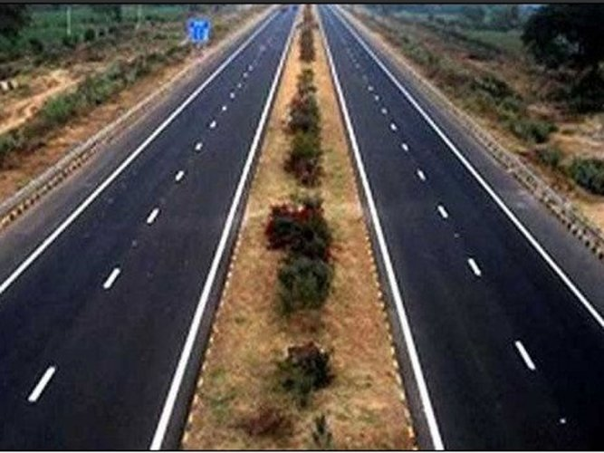 MSRDC, the implementing authority for the proposed 701 km Mumbai-Nagpur super communication expressway, will embark on the tree plantation drive. (Image for representation)