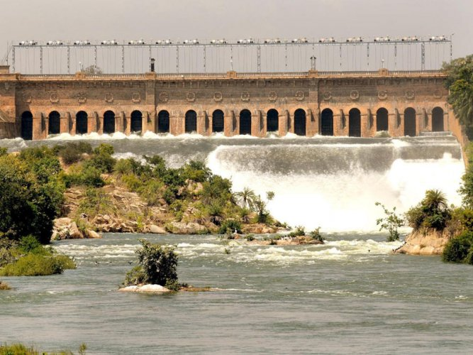 The bitter legal battle over Cauvery water sharing among four southern riparian states in the Supreme Court today saw the Tamil Nadu counsel making a veiled attack on the Narendra Modi government. DH file photo