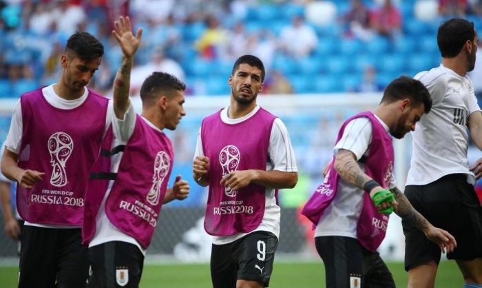 Uruguay vs Russia - Samara Arena, Samara, Russia - June 25, 2018 Uruguay's Luis Suarez and teammates during the warm up before the match REUTERS