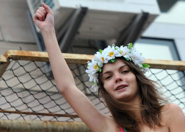 Activists from Femen, known for its bold topless protests, said the 31-year-old Ukrainian had been found on Monday with a suicide note next to her body.