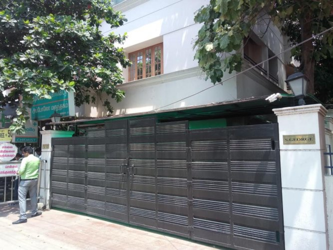 The residence of S George, former Chennai Police Commissioner, which is being raided by the CBI in connection with the gutkha scam. Twitter/ @sivaetb.