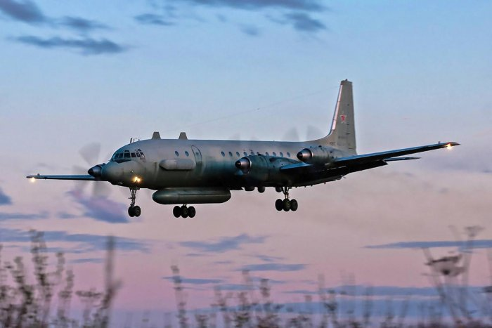 A photo taken on July 23, 2006 shows an Russian IL-20M (Ilyushin 20m) plane landing at an unknown location. AFP