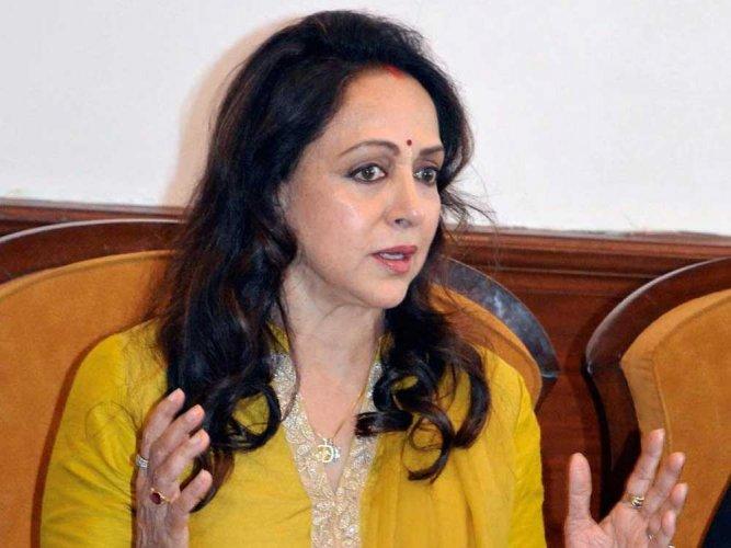 Hema Malini seconds Maneka Gandhi on death penalty for rape of children below 12 yrs