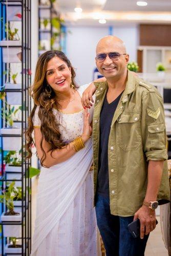 Indrajit directs Richa in 'Shakeela'.