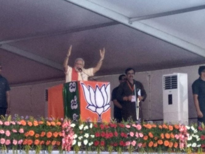 In picture: d Prime Minister Narendra Modi in a massive BJP election rally in Chitradurga on Sunday. DH Photo.