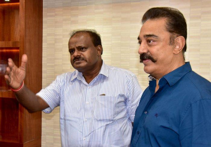 Actor Kamala Hassan meets Chief Minister H D Kumaraswamy at Krishna, in bengaluru on Monday 04.06.2018. DH photo