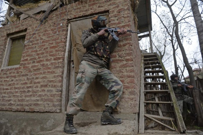The total number of active militants in Kashmir was between 270 and 300, most of whom are locals.
