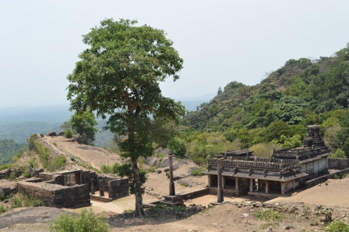 Kashi Visweswara Temple, Kavaledurga