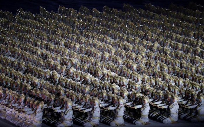 CAPTIVATING Indonesian artists perform during the opening ceremony of the Asian Games in Jakarta on Saturday. Reuters