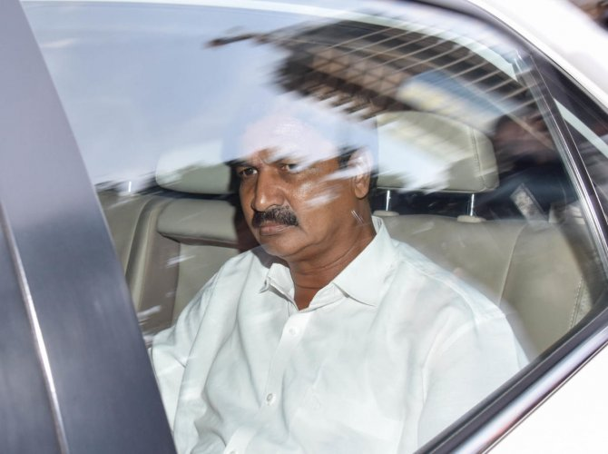 Minister Ramesh Jarkiholi arriving to attend the meeting conducted by Former Chief Minister Siddaramaiah, at his residence Caveri, in Bengaluru on Monday. DH Photo/ B H Shivakumar