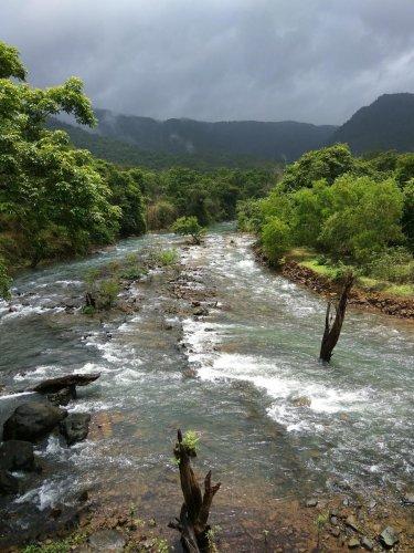 Sight to behold: River Kali; (below) River Aghanashini. photos by Vignesh Kamath