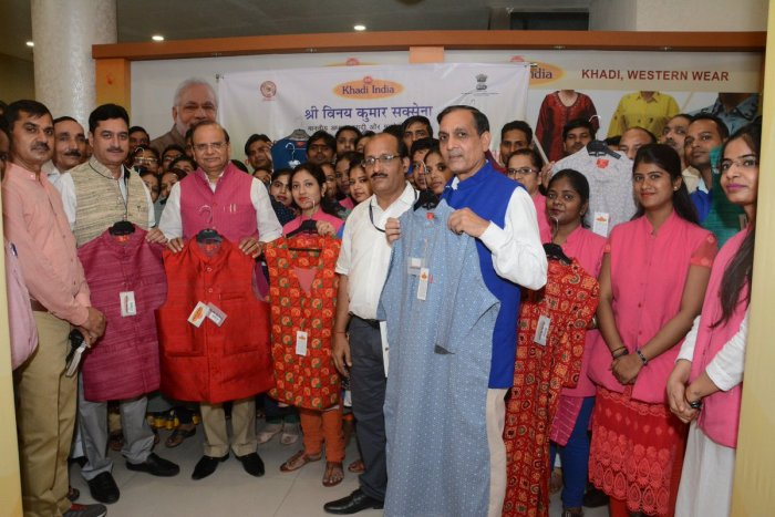 Khadi and Village Industries Commission (KVIC) Chairman Vinai Kumar Saxena launches Modi Jacket and Kurta. (Image courtesy: @kvicindia/Twitter)