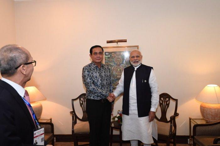 Prime Minister Narendra Modi with Thai counterpart Prayuth Chan-ocha. (Twitter/@narendramodi)
