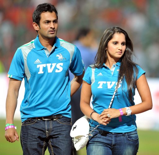 CROSS-BORDER LOVE Sania Mirza (right) and her cricketer-husband Shoaib Malik of Pakistan are among couples who have made Dubai their home. DH File Photo
