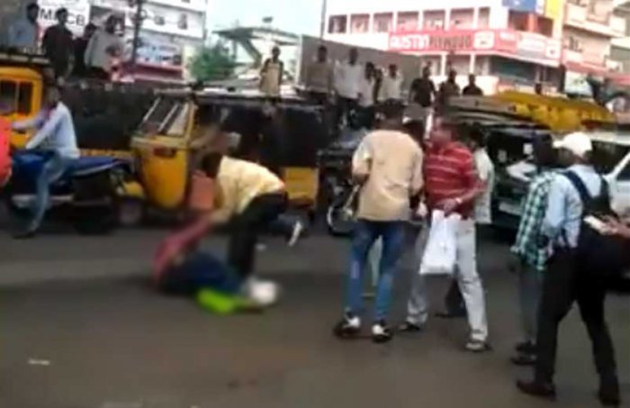 Though a traffic police constable and some locals tried in vain to save the victim, later identified as Ramesh, the two assailants continued to attack him, leading to his death on the spot at Attapur area, police said. (Screengrab)