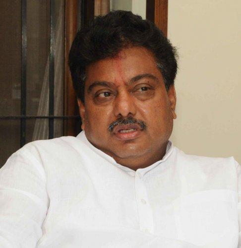 Senior Congress leader M B Patil, DH file photo