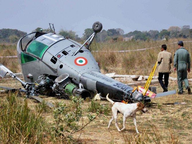 Chetak crash-lands at INS Rajali in Tamil Nadu   Deccan Herald