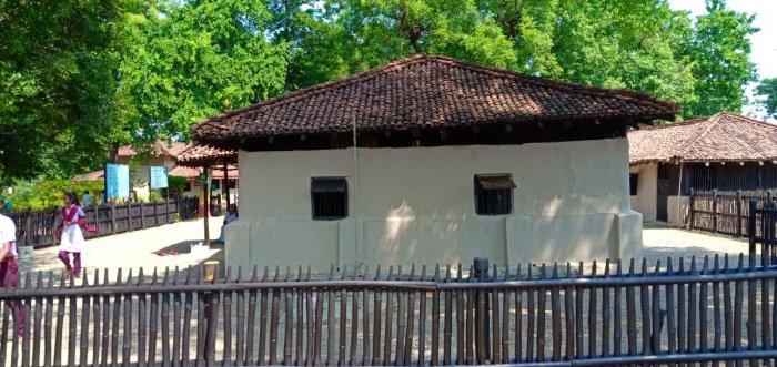 A view of The Bapu Kutir in Sevagram Ashram. (DH Photo/Mrityunjay Bose)