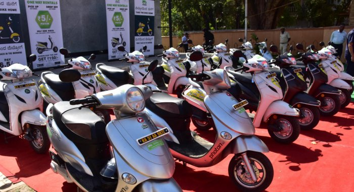 The government order asks the panel to examine the benefits of bike taxis. (DH file photo)