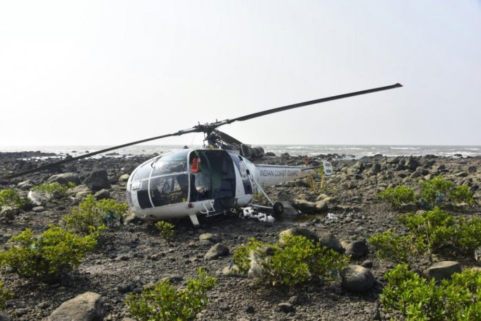 "A Chetak helicopter of the Indian Navy made ""hard-landing"" at the INS Rajali naval base in Arakkonam on Monday"