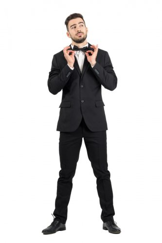 Bow ties, black ties and suits are what men usually like to wear to parties.