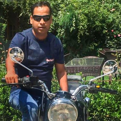 Vivek Tiwari, who was an executive with Apple, was shot dead by a cop early last Saturday.