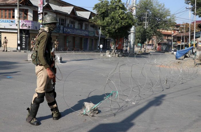 A complete shutdown is being observed in Kashmir valley following the JRL strike call against the Urban Local Bodies Election (ULBE) in Kashmir. (DH Photo/Umer Asif)