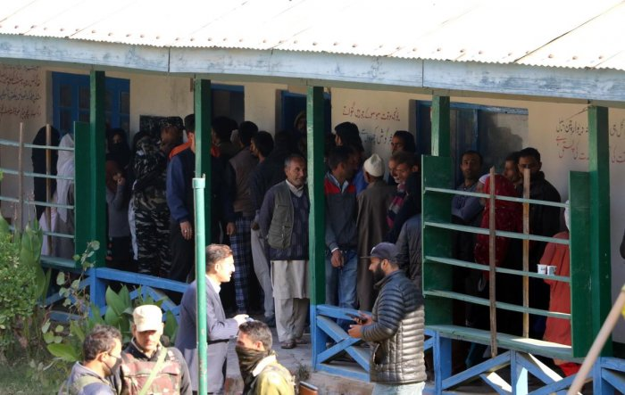 Voting began at 6 am on Wednesday morning amid stringent security arrangements. (DH File Photo/Umer Asif)