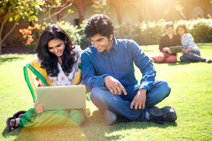 Online learning is designed in such a way that the professional can bring his or her new learning to work immediately.