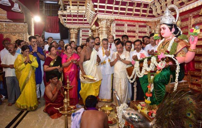 Grand celebrations: Karnataka Bank CEO and MD Mahabaleshwara M S, Temple Committee President H S Sairam and others offer prayers to Goddess Sharada at the installation of the Sharada and Navadurga idols at Kudroli Sri Gokarnanatheshwara Temple in Mangaluru on Wednesday.