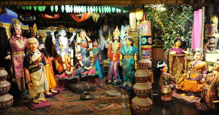 Dolls arranged on 'Srinivasa Kalyana' theme at Dhaatu Art Centre in Banashankari as part of the  Dasara festival. DH Photos/Srikanta Sharma R